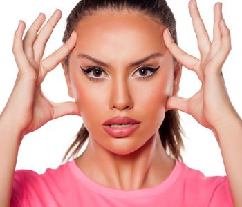 Your aesthetic medicine specialist in Portland can help you avoid acne scarring