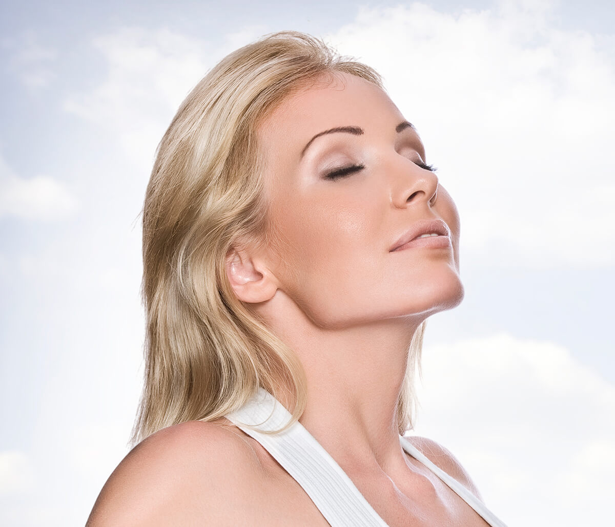 The Latest News on how to Get Rid of a Double Chin with Dr. Adam Maddox at Thrive