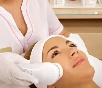 Men and women benefit from laser hair restoration treatment in Portland