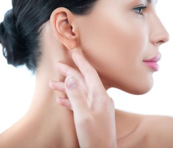 Treatment for loose neck skin using non-invasive Exilis therapy from Beaverton doctor